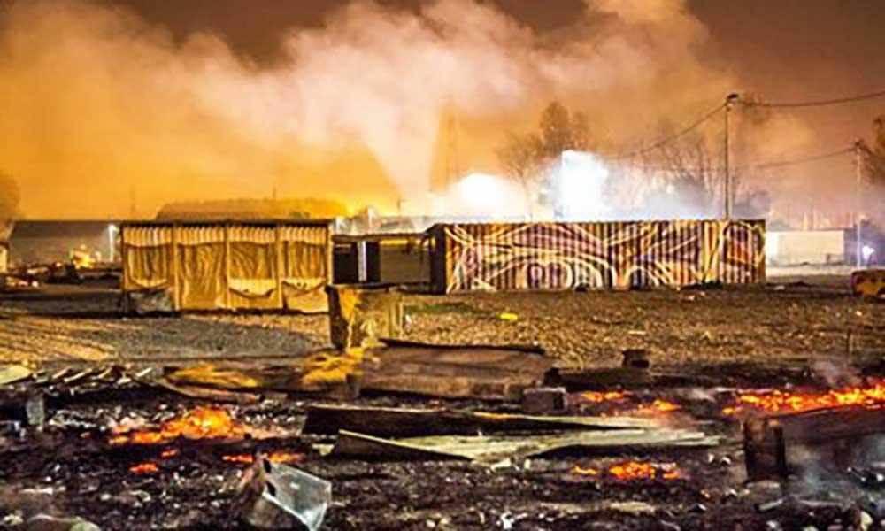 França: Incêndio destrói campo de refugiados