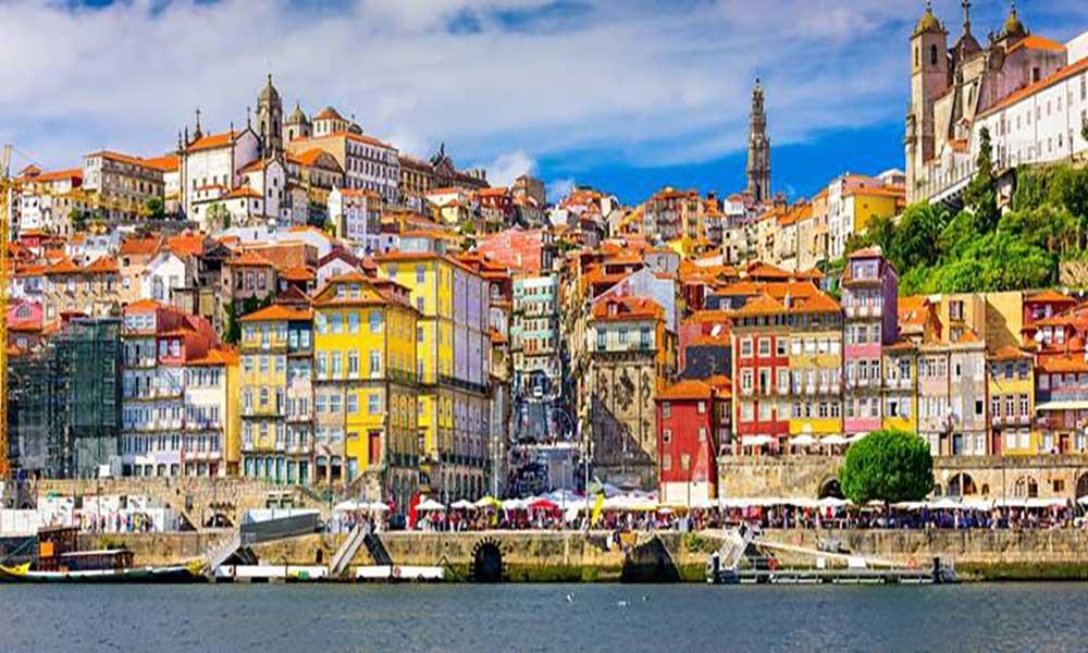 """Políticas no sector do turismo em Portugal """"devem ser replicadas"""" – diz responsável do Conselho Mundial de viagens e Turismo"""