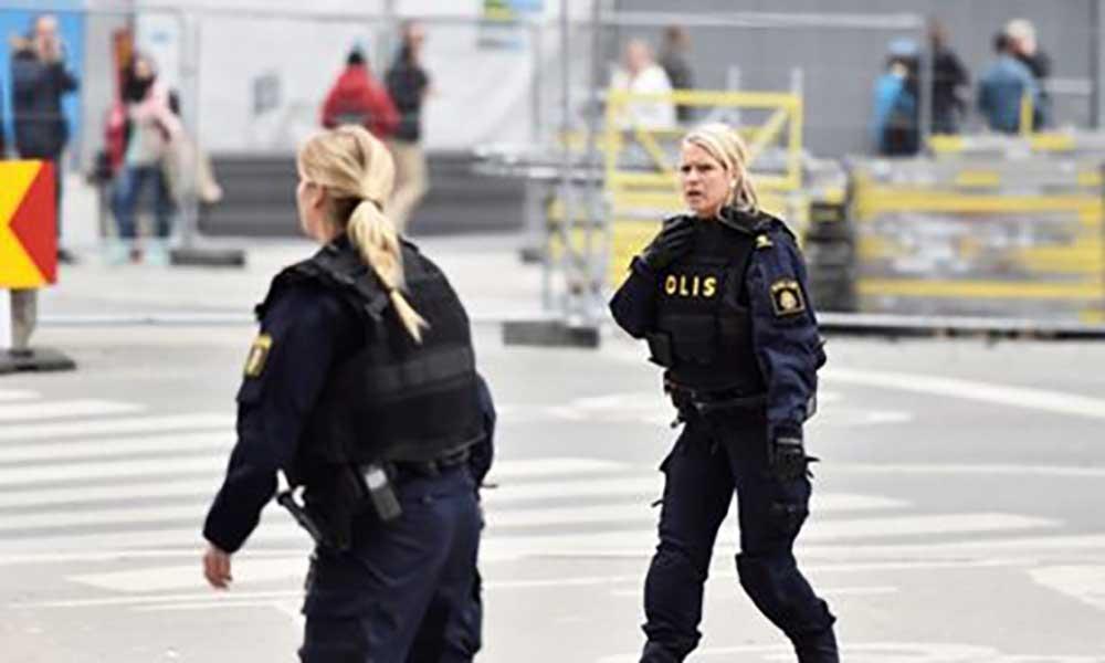 Suécia: Polícia encontra explosivos no camião