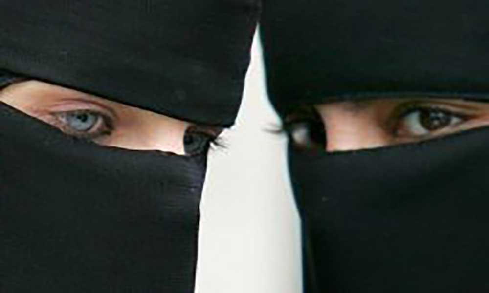 """Alemanha: Parlamento limita uso da """"burqa"""" em espaços públicos"""