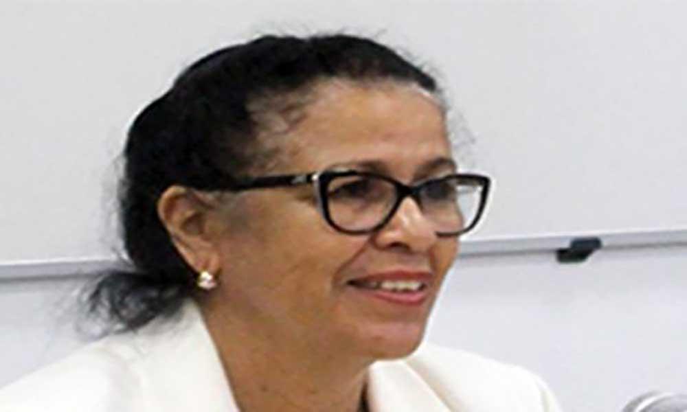 Maritza Rosabal visita Sal e São Nicolau