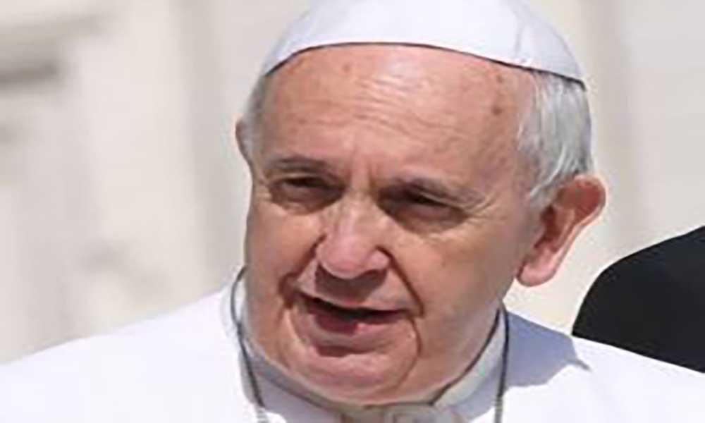 Vaticano: Papa pede corredores humanitários e que se evitem expulsões colectivas