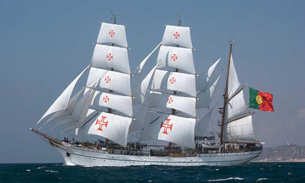 Navio Sagres já está em São Vicente