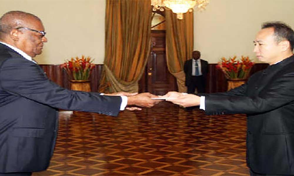 São-Tomé e Príncipe: Novo embaixador da China entra em funções