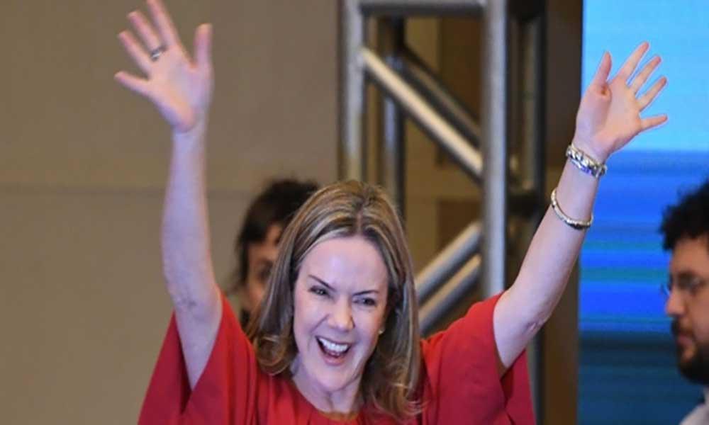 Brasil: Gleisi Hoffmann eleita presidente do PT