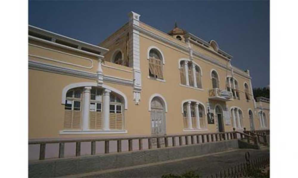 Uni-CV realiza III Colóquio Cabo-verdiano de Educação