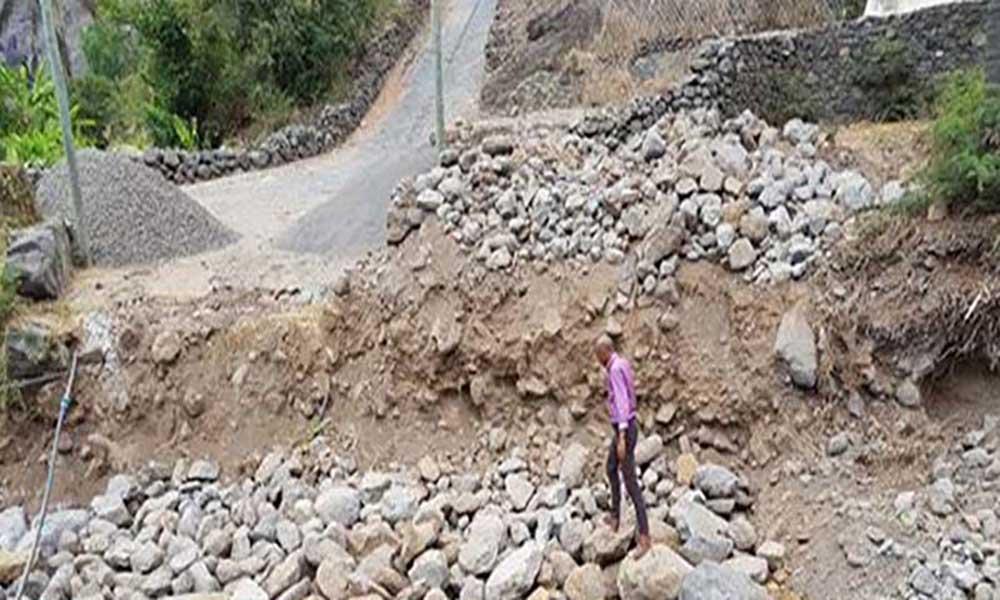 São Nicolau:Arrancam obras da ponte que liga Boca Ribeira e Queimadas