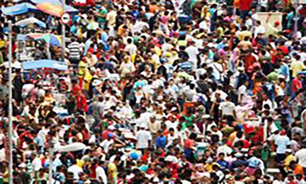 População mundial atinge 7,6 bilhões de habitantes