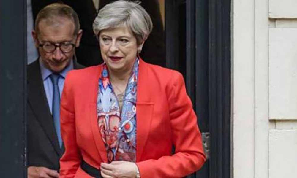Reino Unido: Theresa May quer formar governo mesmo sem maioriaabsoluta