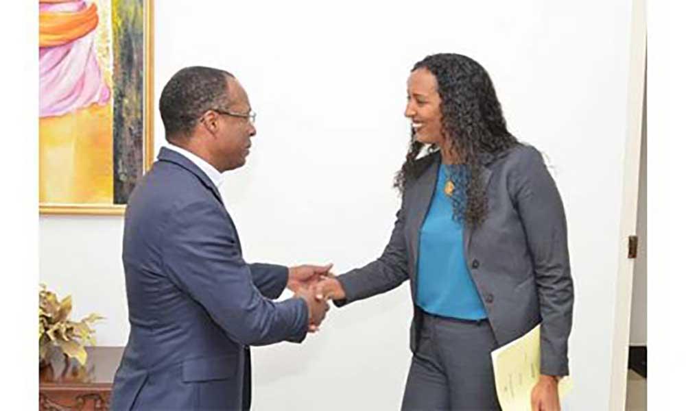 Primeiro-Ministro e líder da oposição reúnem-se para reforçar diálogo político