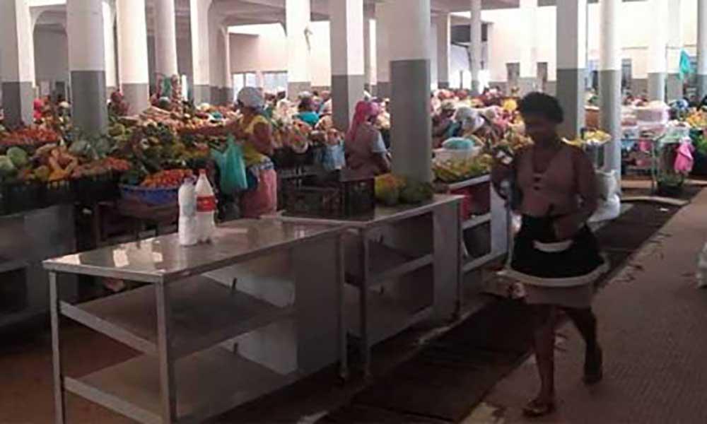 Assomada: vendedeiras insatisfeitas com a mudança de mercado
