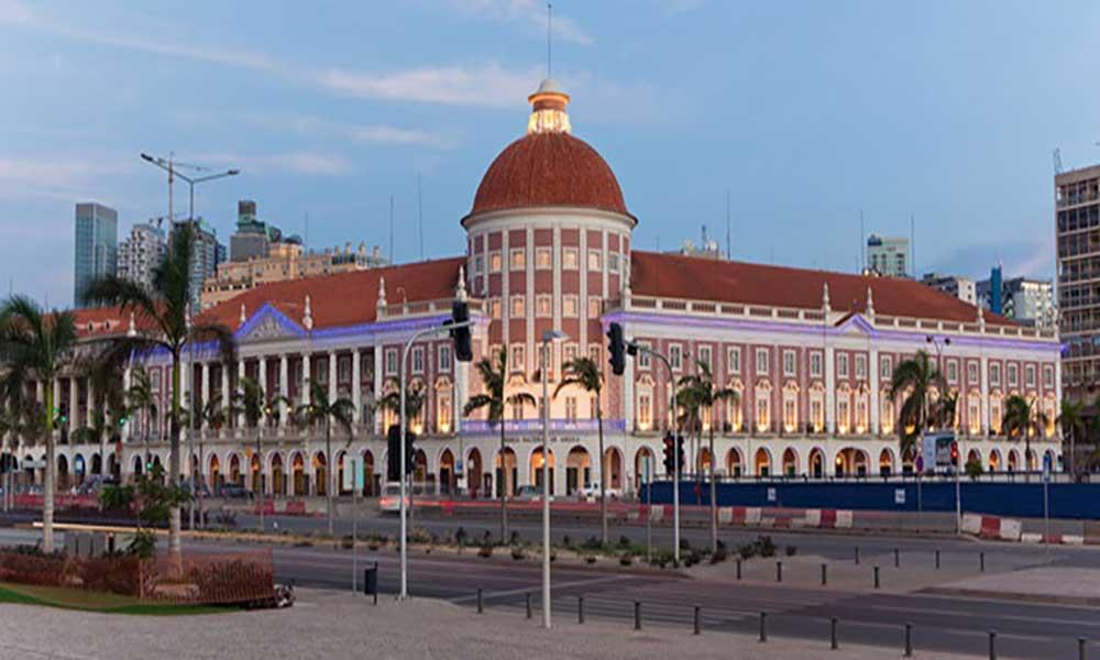 Moody's: descida do 'rating' de Angola nos próximos anos é improvável