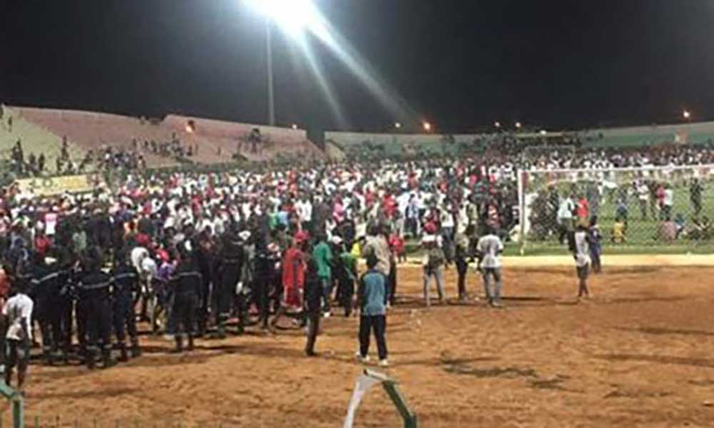 Senegal: Muro colapsa em estádio e faz oito mortos