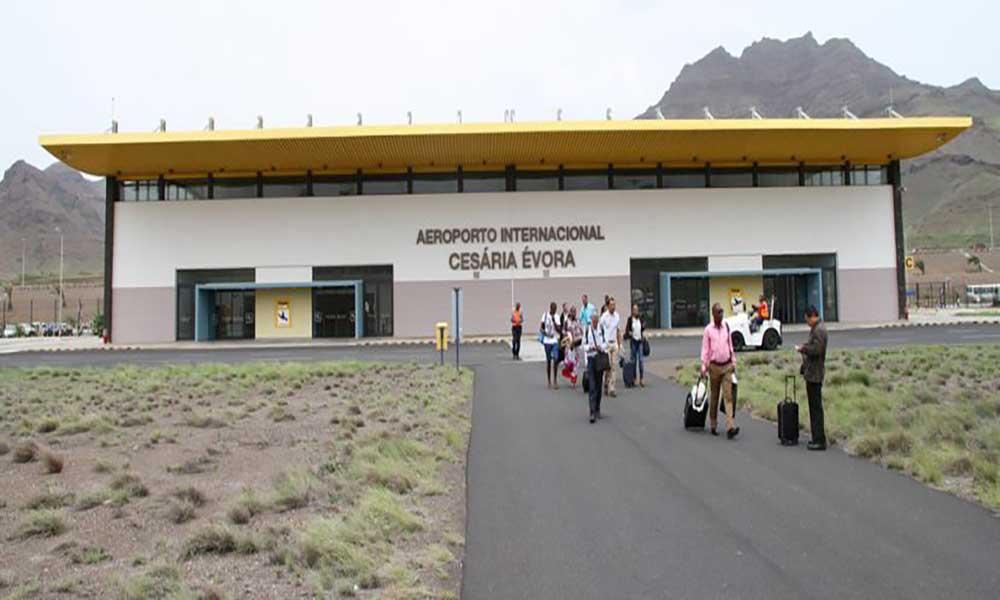 """""""Direitos e deveres dos passageiros em Cabo Verde"""" lançada em São Vicente"""