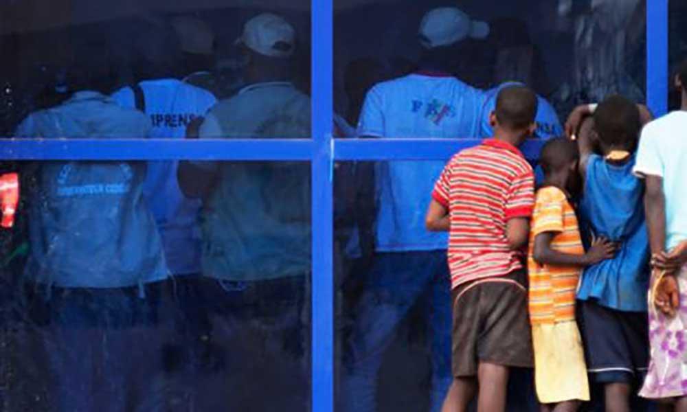 Guiné-Bissau: PM dá ordens de prisão a crianças e jovens a pedir esmola