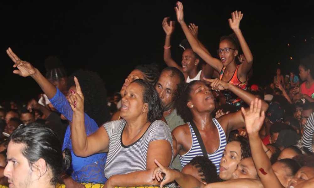 Festival Baia das Gatas: Badoxa e Joelma levam público ao delírio