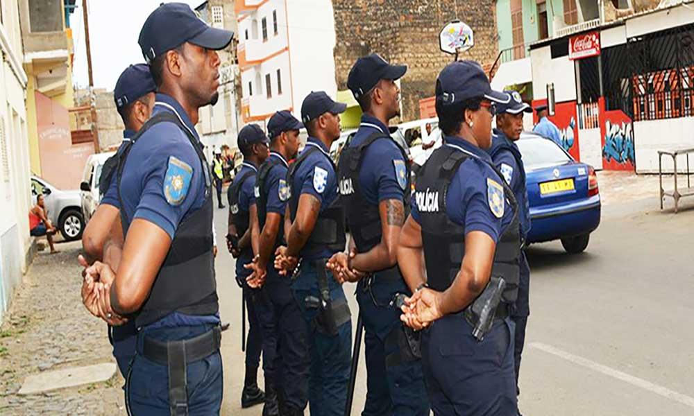 """Praia: Operação """"Cotxi Pó"""" culmina na detenção de 32 indivíduos"""