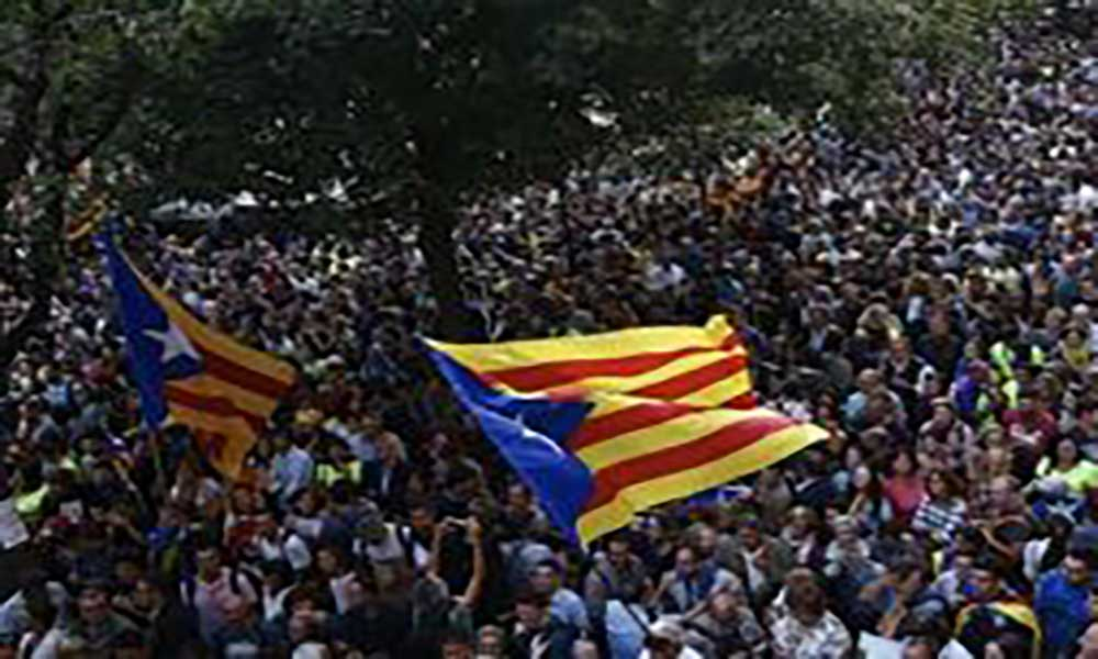 Barcelona. Manifestação pró-referendo junta milhares