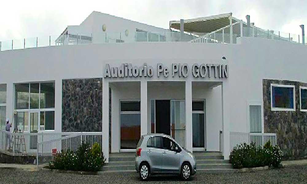 Fogo: Auditório Padre Pio Gottin já foi inaugurado
