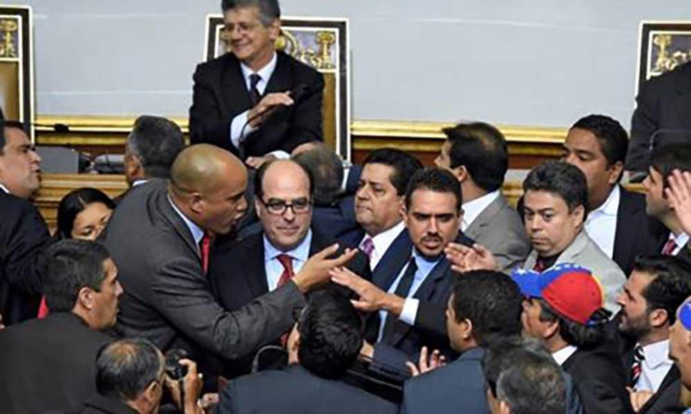 Venezuela: Parlamento escreve ao Papa Francisco sobre crise no país