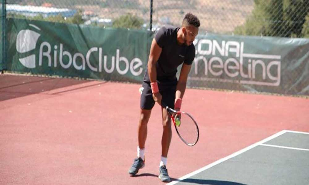 Campeão nacional de ténis eleva bandeira cabo-verdiana em Portugal