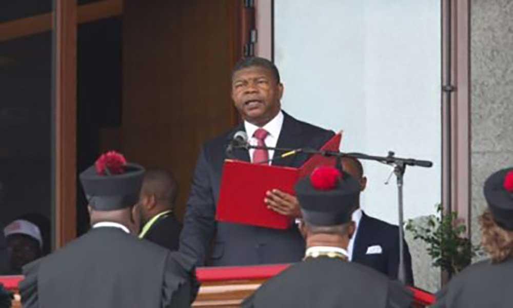 Angola: PR dá 30 dias para propostas para melhorar sector petrolífero
