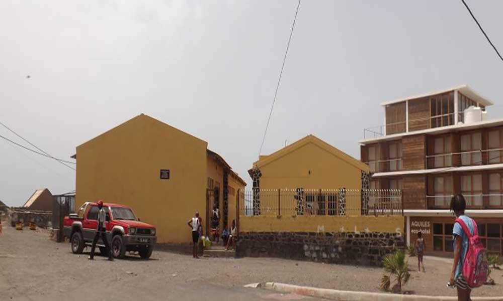 São Vicente: Alunos do 2º e 3º anos em São Pedro sem professores