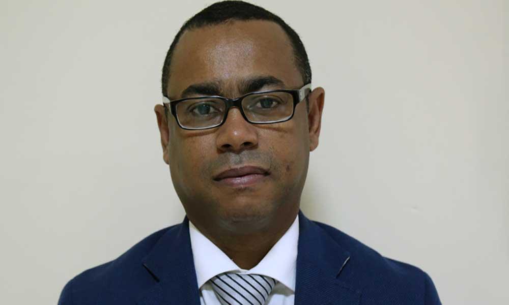Emanuel Barbosa anuncia recandidatura à frente do MpD em Portugal
