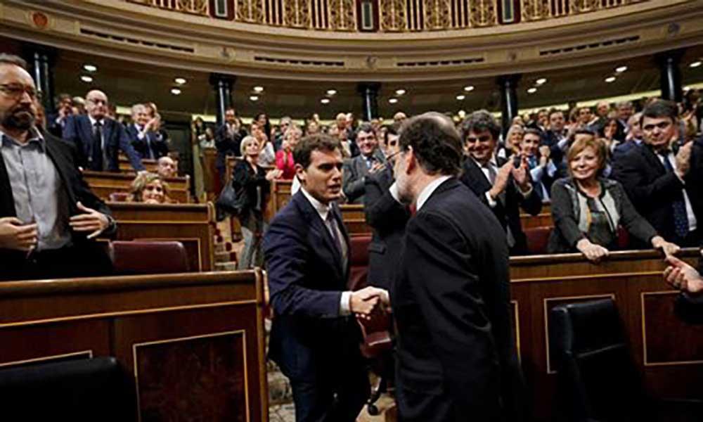 Espanha: Governo de Madrid responde a Puigdemont