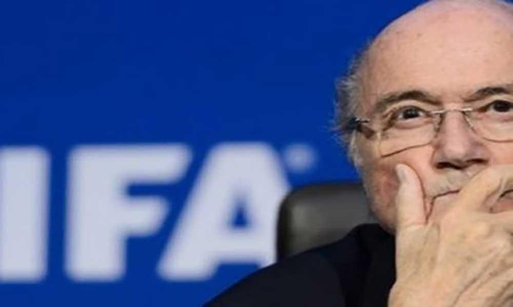 Rússia: PR convidou Blatter a assistir aos jogos do Mundial
