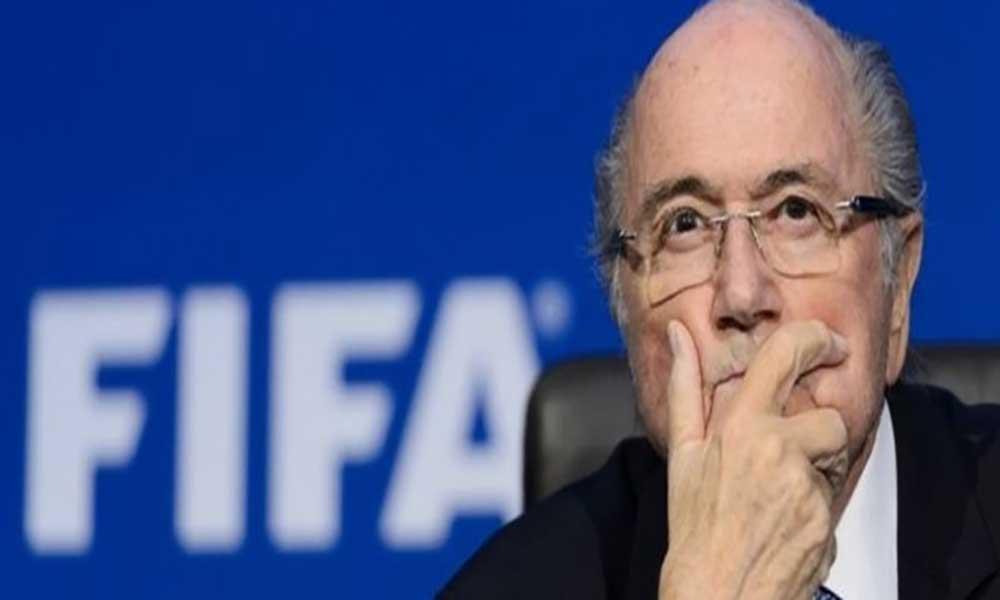 "Blatter classifica de ""absurdo"" as acusações de assédio sexual"