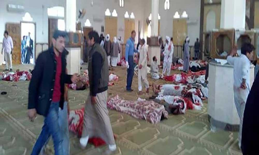 Atentado a mesquita no Egipto mata pelo menos 235 pessoas