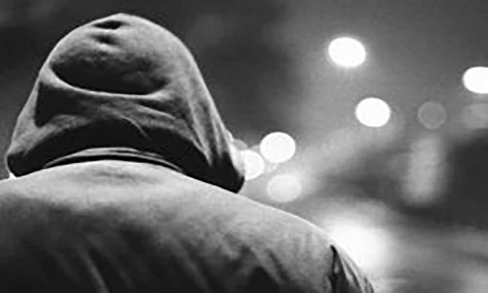 Praia: Agente policial assaltado e desarmado por encapuzados