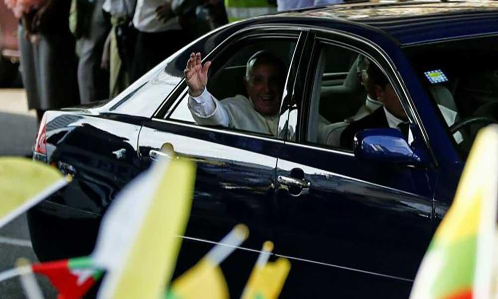 Myanmar. Começou a visita do Papa a uma das periferias do mundo