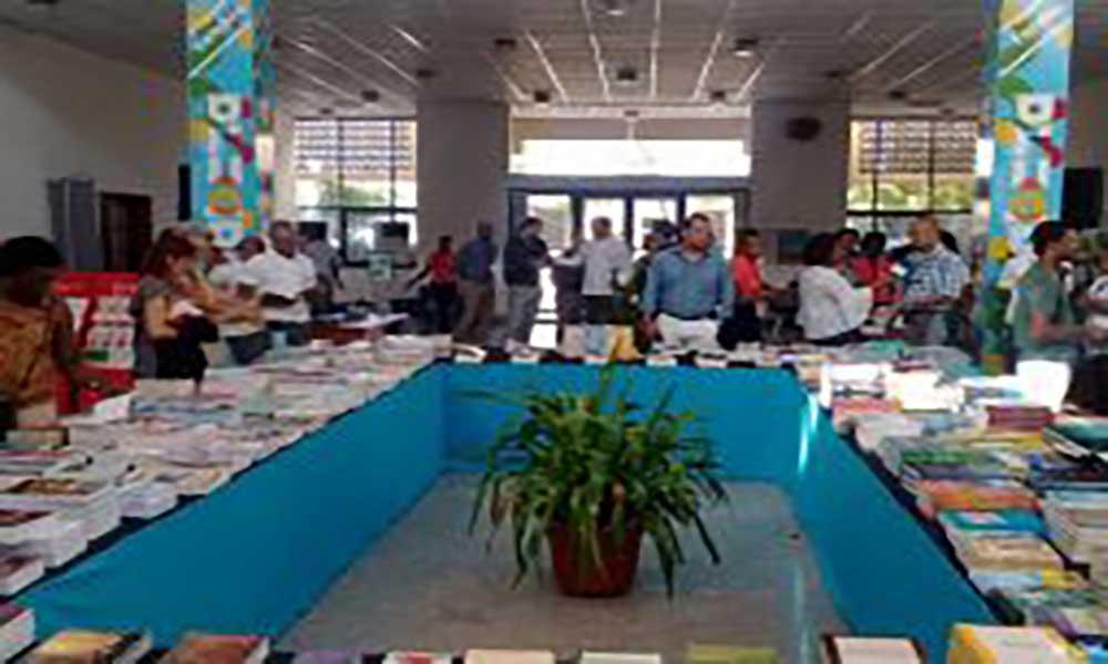 Palácio da Cultura Ildo Lobo acolhe Feira do Livro de poesia e banda desenhada