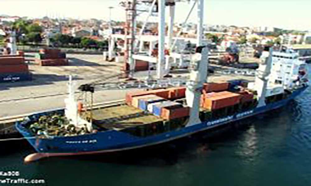 Navio Ponta do Sol realiza sua primeira viagem internacional