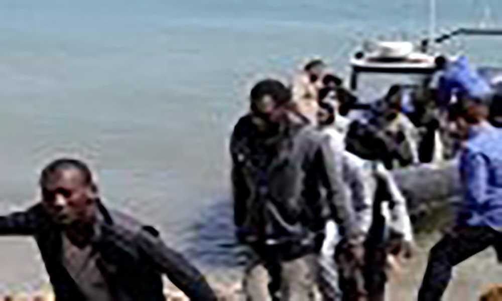 UE quer repatriar mais 15 mil migrantes retidos na Líbia