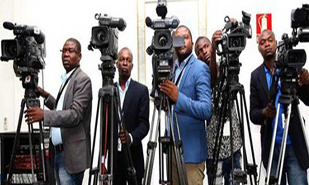Angola: Jornalistas pedem boicote ao Parlamento por falta de condições