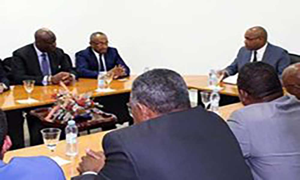 Visita do Presidente da CAF: Fernando Elísio Freire considera prova de credibilidade do desporto cabo-verdiano