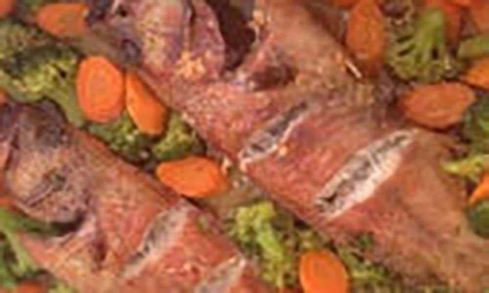 Garoupa com brócolos e cenoura no forno