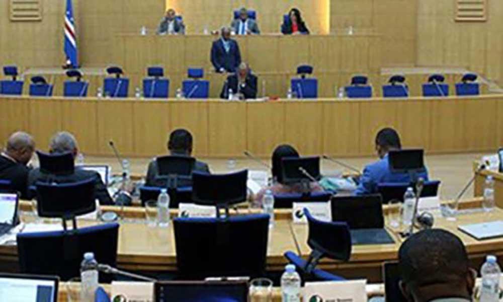 Deputados da UCID descontentes com lugares abandonam Parlamento