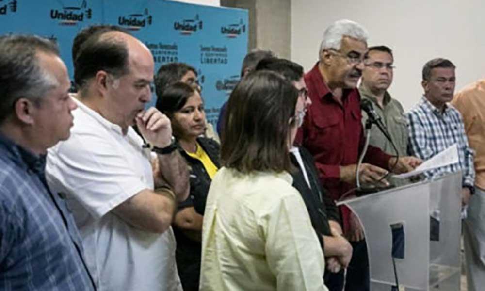 Venezuela: Oposição suspende diálogo com o Governo