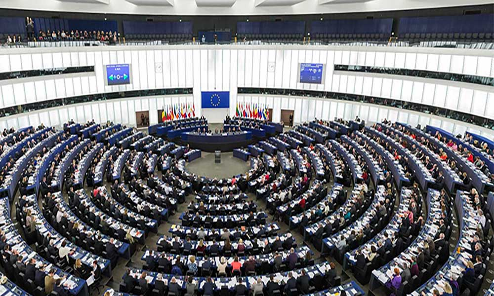 Eurodeputados defendem utilização sustentável dos oceanos