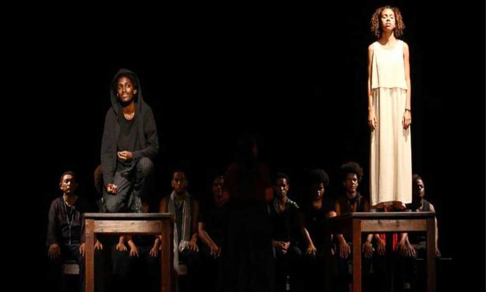 """Peça """"Romeu e Julieta"""" marca o arranque de Março mês do Teatro"""
