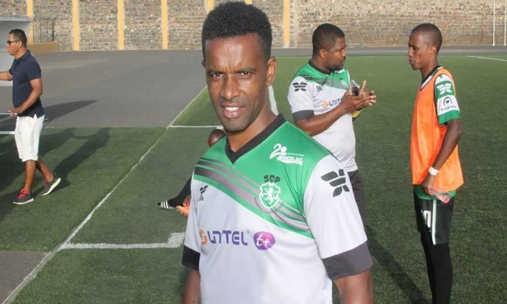 Futebol: Lito Aguiar sucede Djimy no comando técnico da Académica da Praia