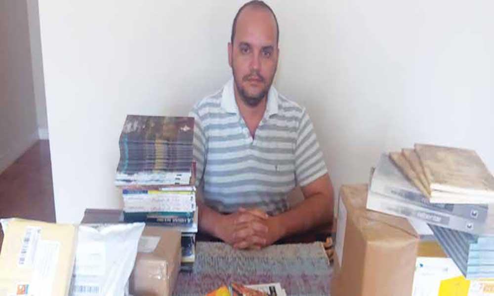 Académico brasileiro recolhe livros para Cabo Verde