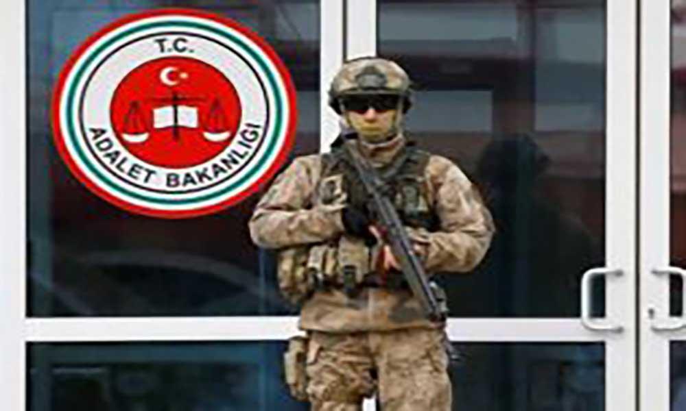 Turquia: Justiça condena seis jornalistas a prisão perpétua