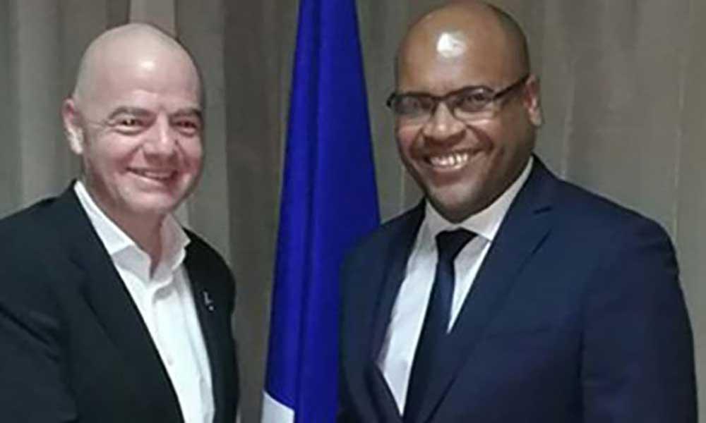 Presidente da FIFA incentiva Governo a continuar a desenvolver o futebol em Cabo Verde