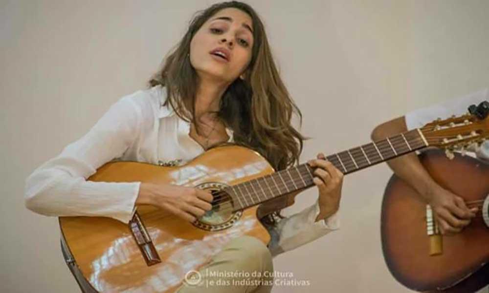 """""""Ton di Petu"""" é o segundo álbum de Sara Alhinho"""