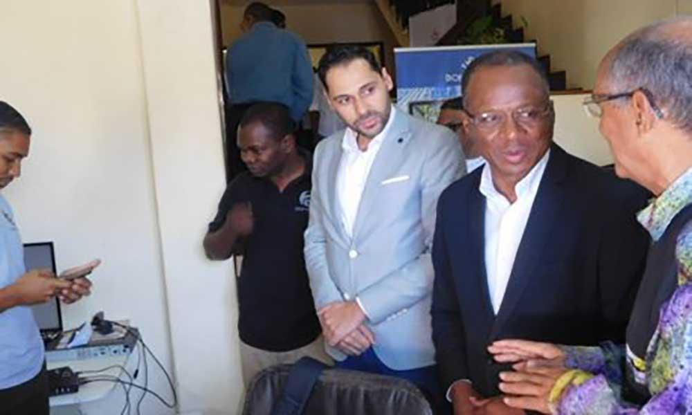 Cabo Verde pode afirmar-se como uma plataforma tecnológica de referência em África – PM